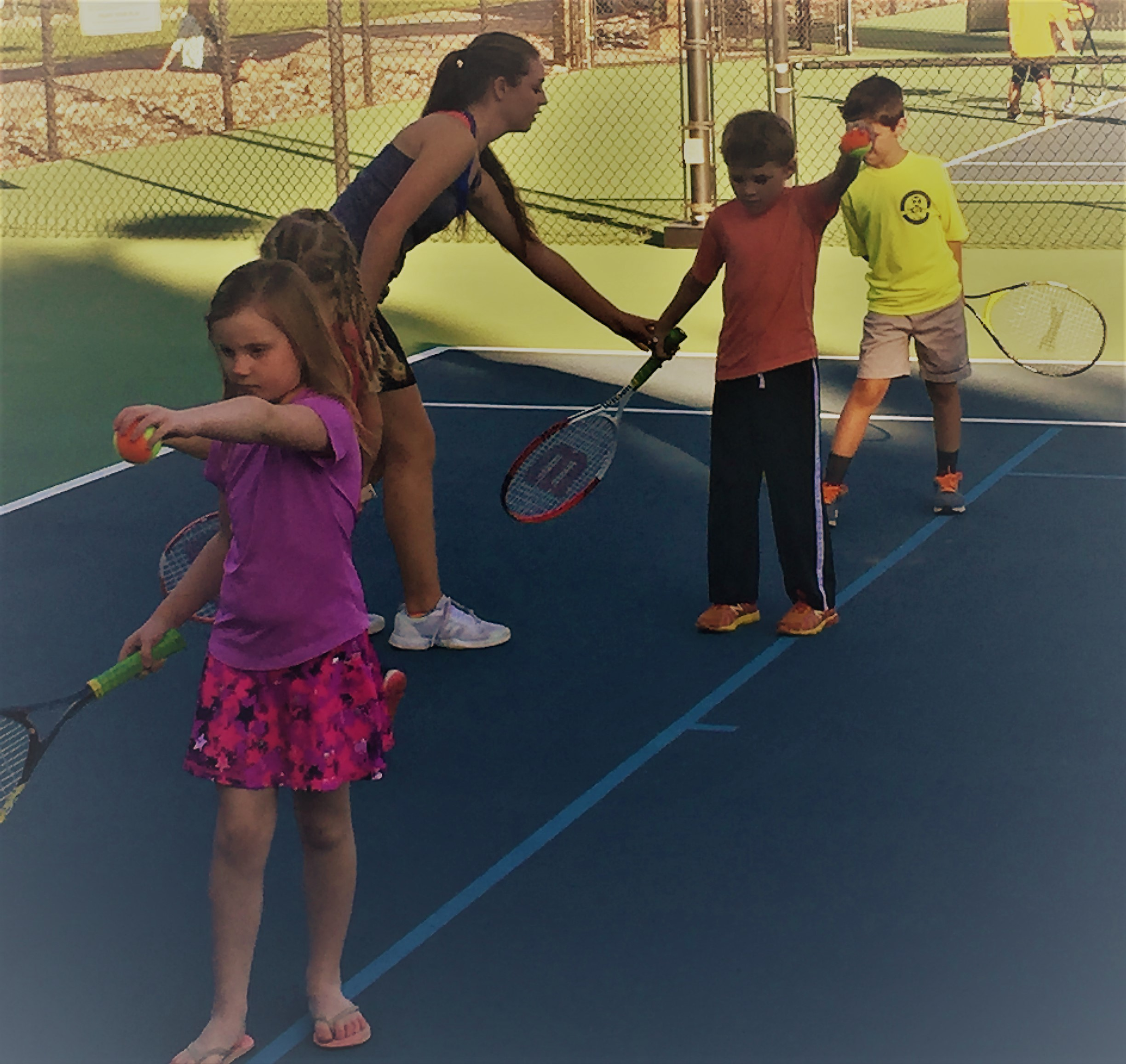 Summer 10 n Under Tennis / Ages 6 to 10